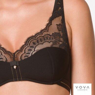Amora padded bra 3