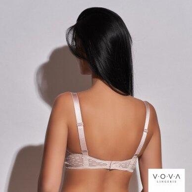 Hint molded push-up bra 3